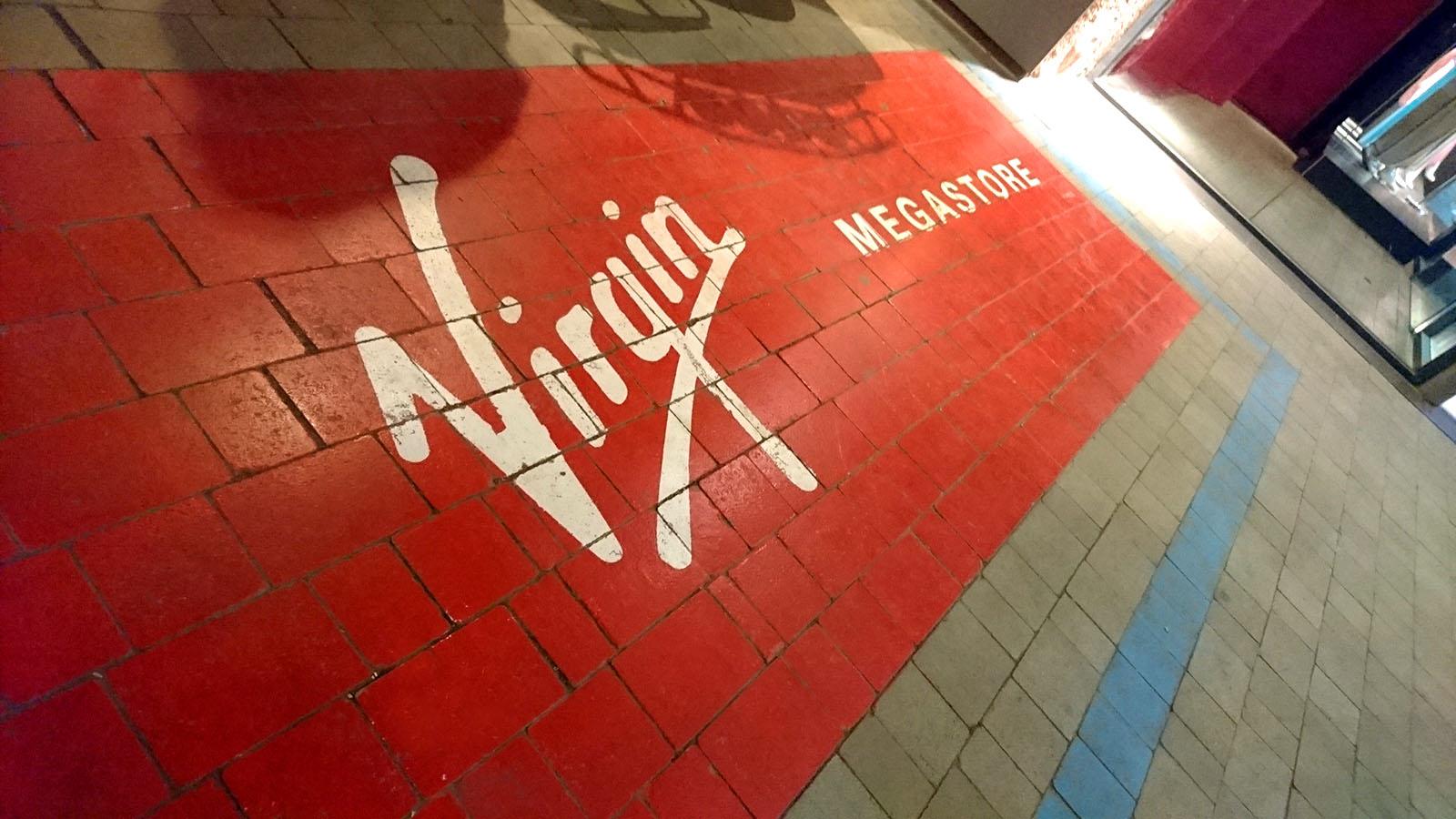 marquage-peinture-au-sol-logo-saint-lo