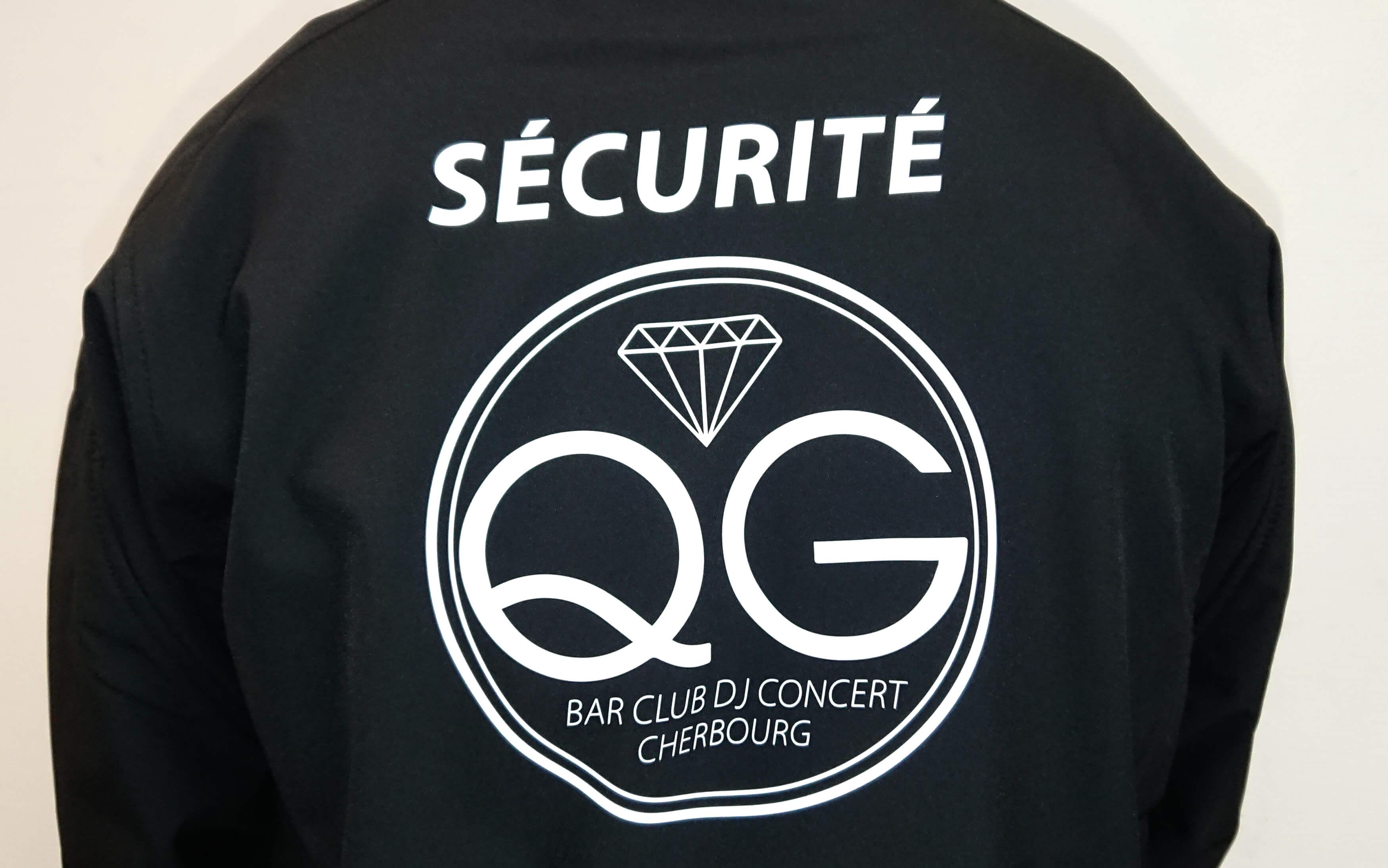 33d1b6801db94 marquage-textile-amc-repro-manche-qg-securite-veste-